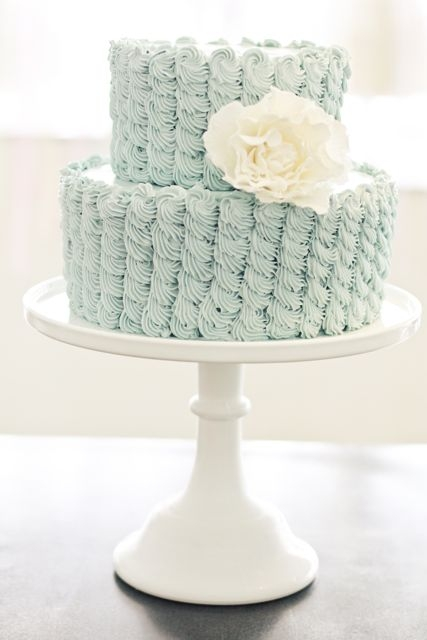 10-robin-egg-blue-ruffle-wedding-cake