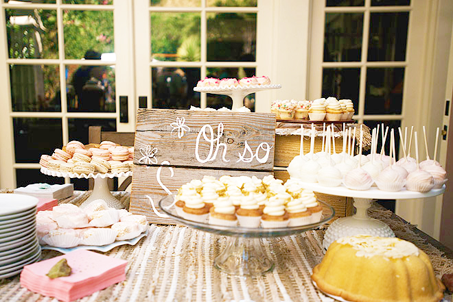 Haylie Duff baby shower cake stand - People mag photo by Yayo Ahumada