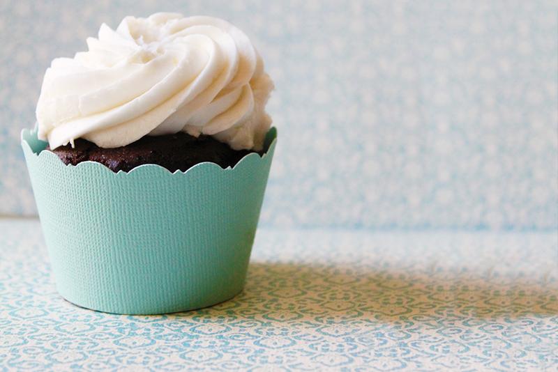 wedding cupcake with robin egg blue cupcake wrapper