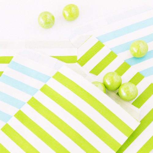party supplies- treat bags in blue and green