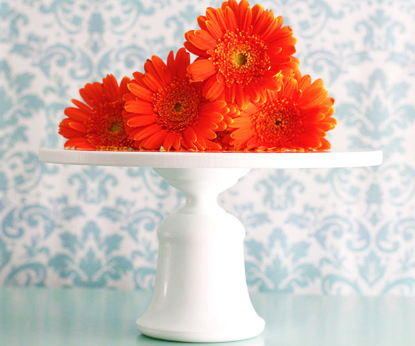 The ANNAPOLIS - Simple bell shaped cake stand
