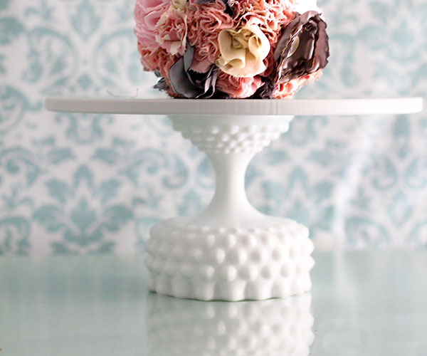 The MINNEAPOLIS – Hobnail cake stand in 10″ 12″ 14″