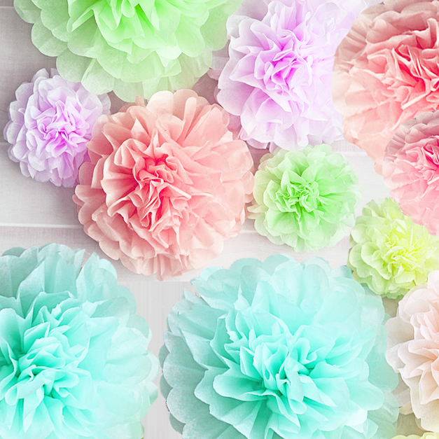 party decorations- paper pom pom lanterns