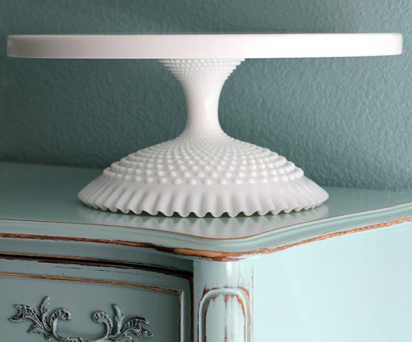 "THE QUEENS 18"" CAKE STAND"