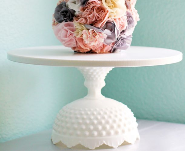 The Virginia - Hobnail scallop cake stand