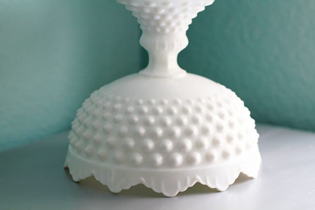 Hobnail scallop cake stand