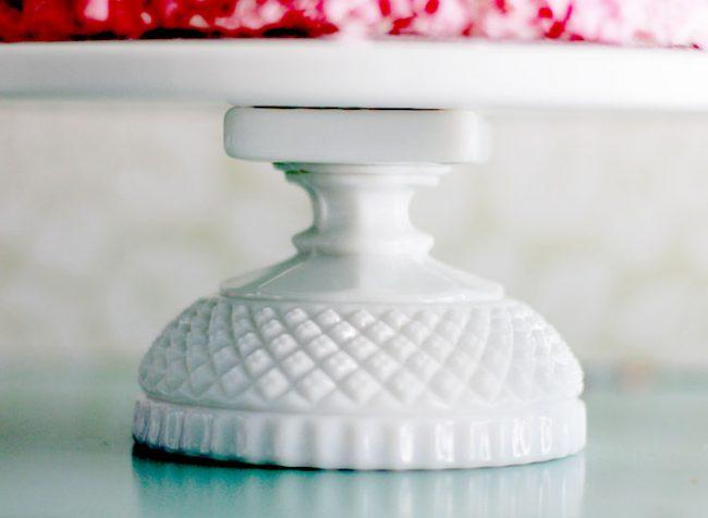 The CLOVERDALE - Petite diamond cake stand