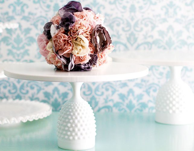 The EAST HAMPTON hobnail cake stand