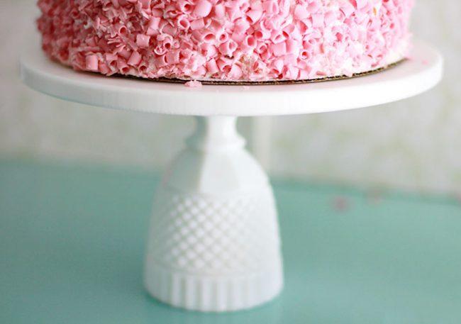 Diamond cake stand