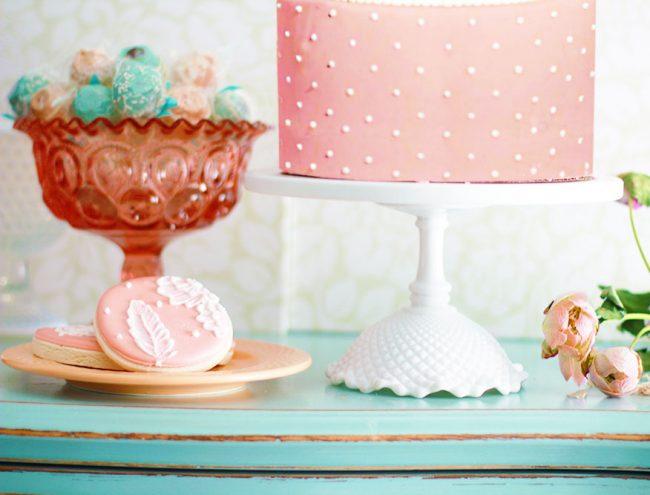 Ruffle Diamond cake stand