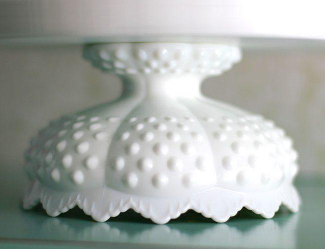 The EUREKA scallop hobnail cake stand