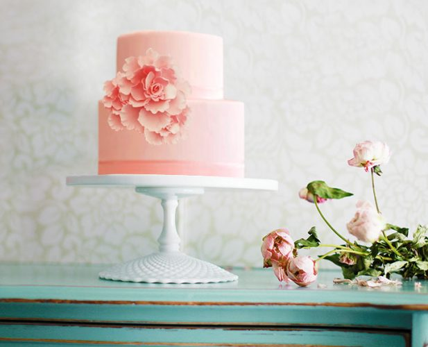 Diamond pedestal cake stand