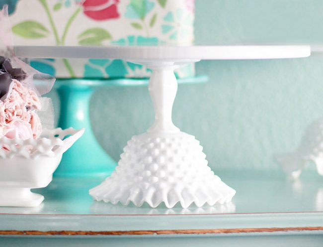 The PROVIDENCE hobnail ruffle cake stand