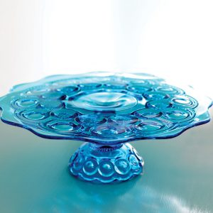 blue cake stand
