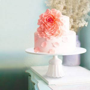 22 Living Coral wedding cake